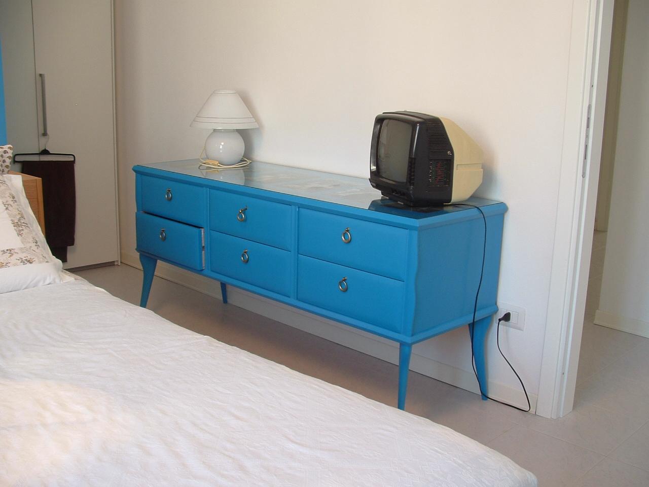 Dipingere mobili vecchi xw84 regardsdefemmes - Verniciare un mobile ...