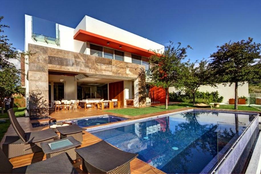 Desain Rumah Mewah Modern Dengan Kolam Renang