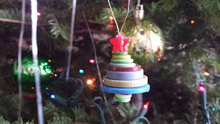 Button Christmas Tree Craft, crafts, kids crafts, Christmas crafts, Christmas ornament