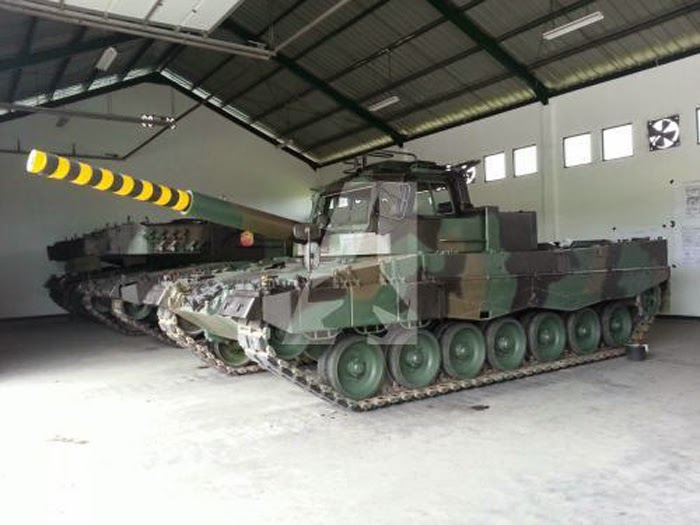 Leopard 2 Fahrschulpanzer TNI