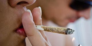 Cigarro de maconha financia o crime - http://www.mais24hrs.blogspot.com