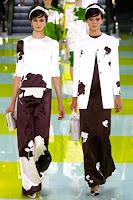 Дълги летни поли в черно и бяло на Louis Vuitton