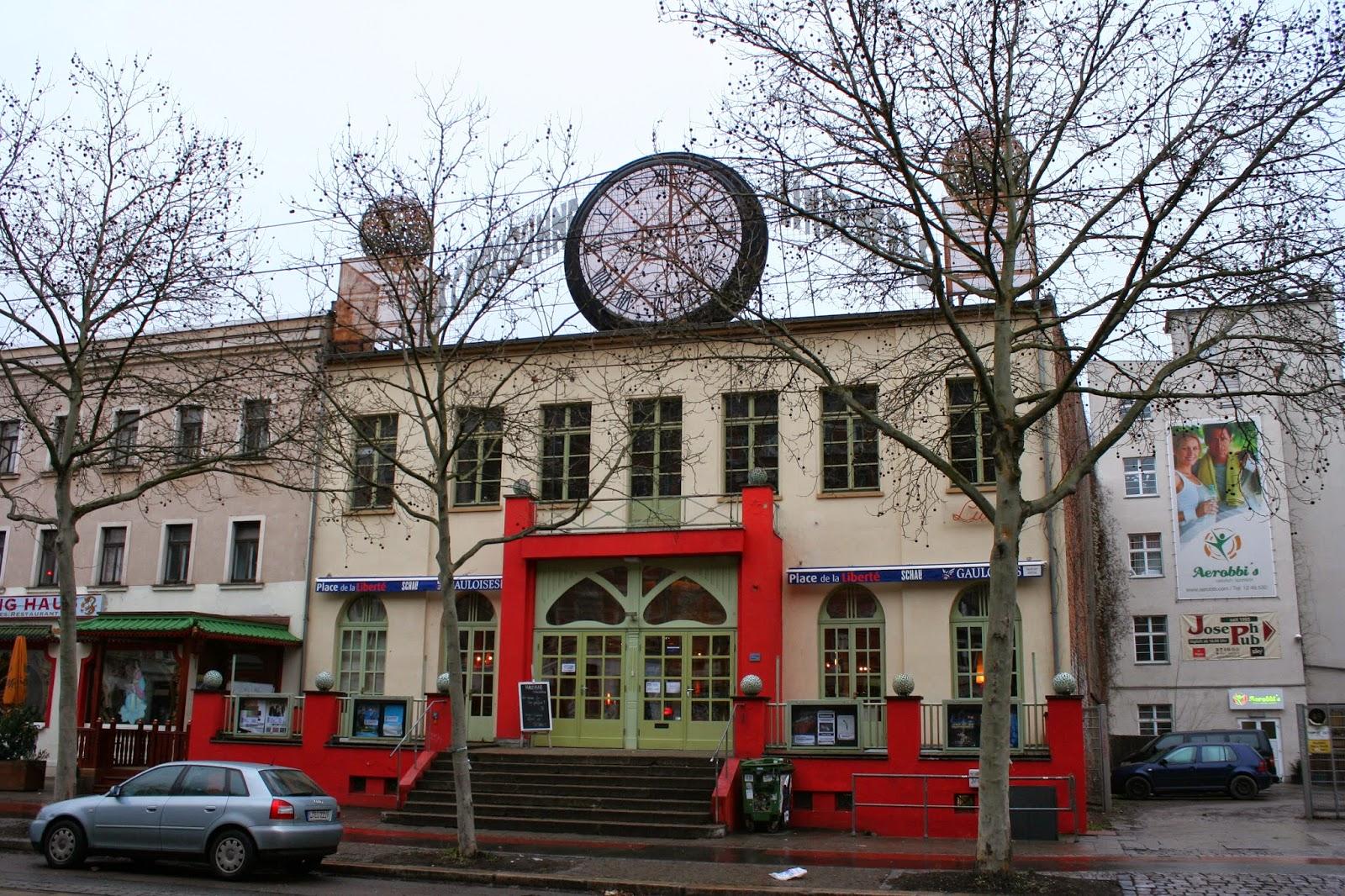 """Die traditionsreiche """"Schaubühne Lindenfels"""" ist eine bedeutende Leipziger Kultureinrichtung mit Kino, Saal, Cafe sowie Restaurant und befindet sich an der Karl-Heine-Straße 50 im Stadtteil Plagwitz - das Gebäude wurde 1874 als Gesellschaftshalle für Tanzveranstaltungen errichtet"""