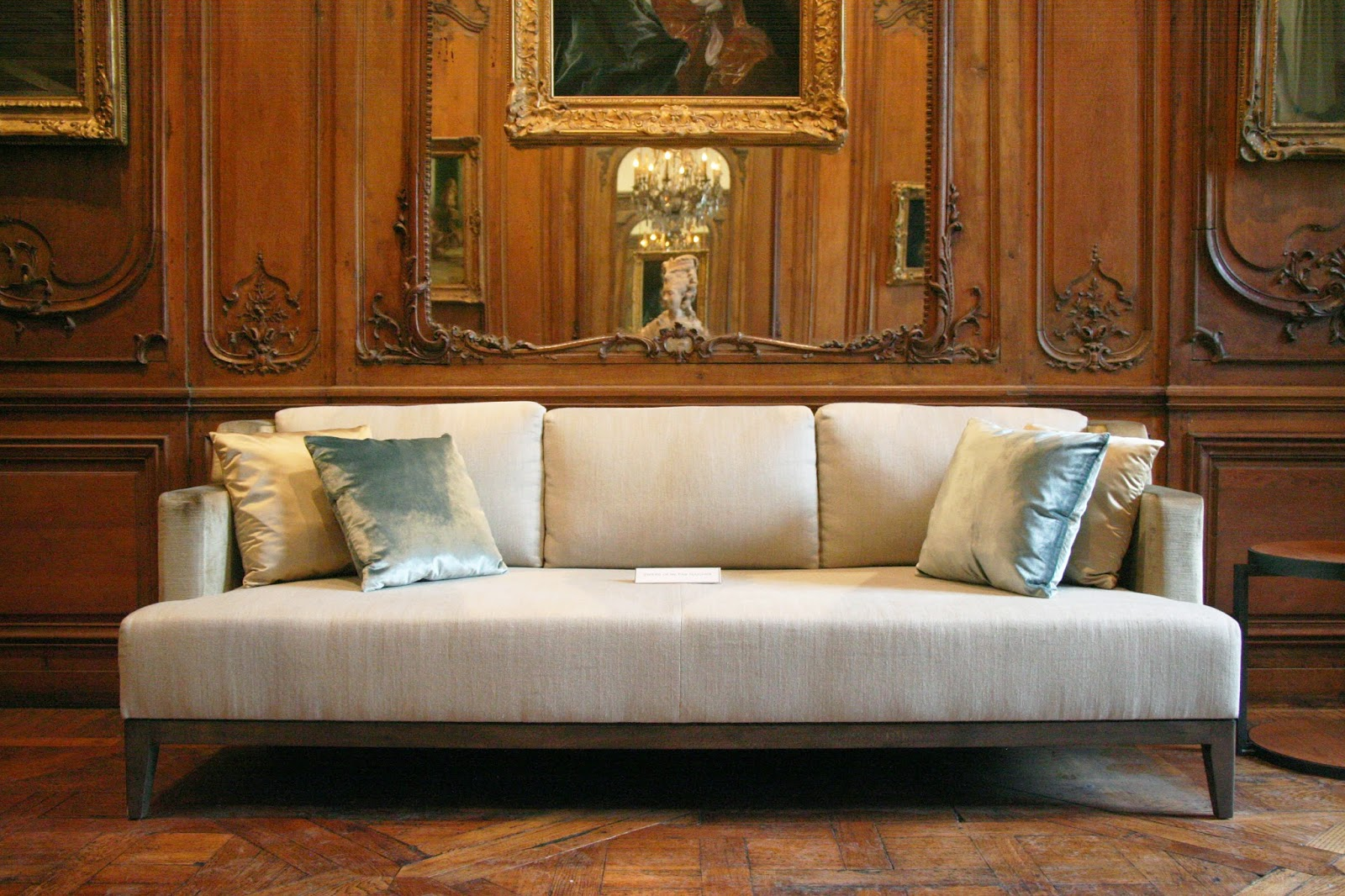 Entr e to black paris elliott barnes at the mus e carnavalet - Canape poltrone et sofa ...