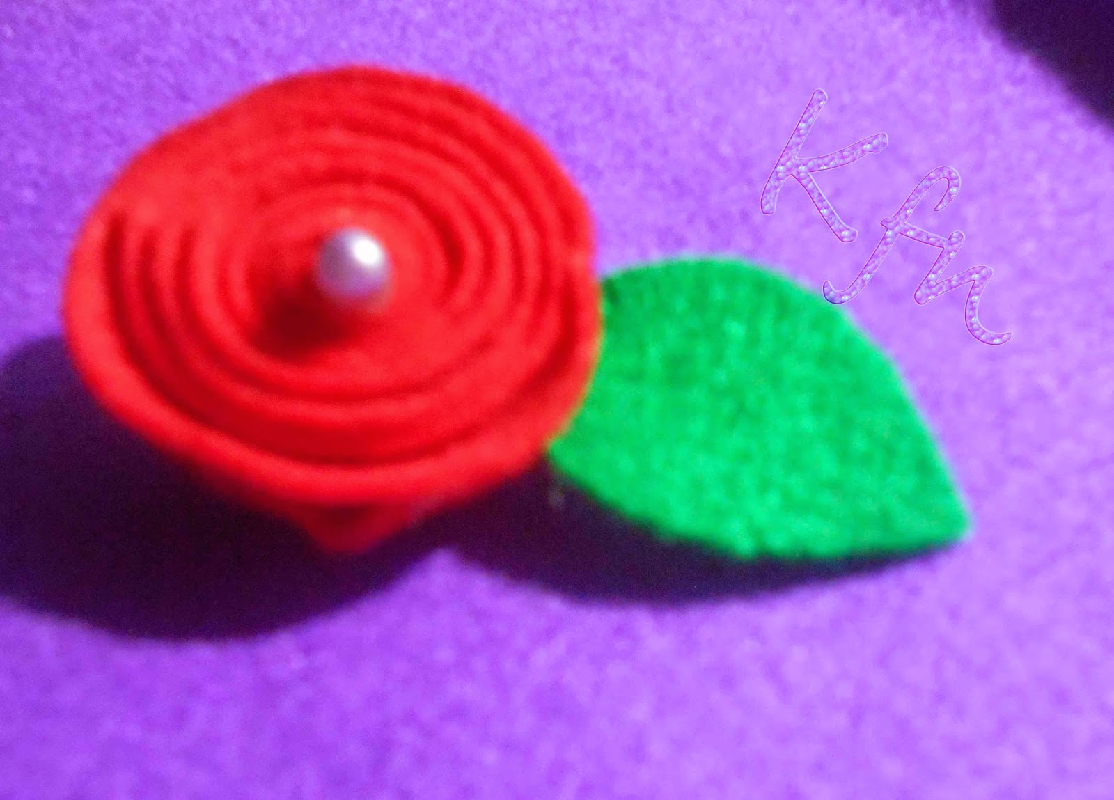 Bross Bunga Mawar Flanel
