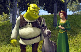 Shrek looking at Fiona romantically 2001 animatedfilmreviews.filminspector.com