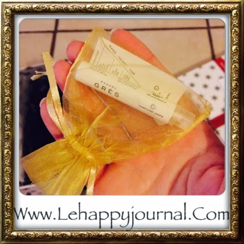 Glossy box, décembre, beauté, coslys, grès, topicrem, sephora, sucre d'orge, noel, happy journal