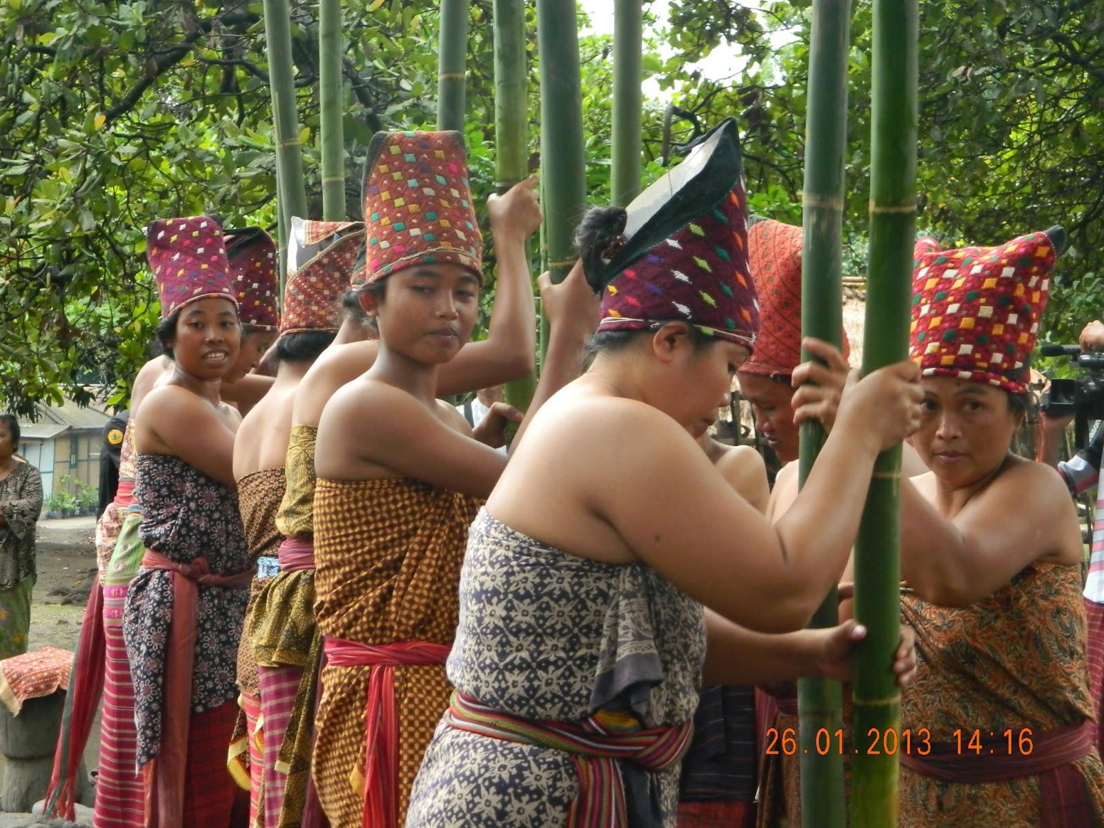 Prosesi Maulid Adat Bayan Beleq Lombok Utara