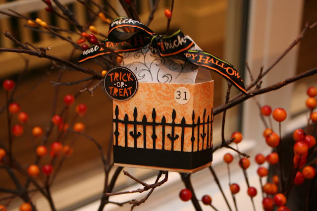 paper crafts: halloween treat box tutorial