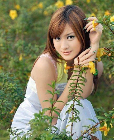 wut hmone shwe yee sexy bride pictorial 01