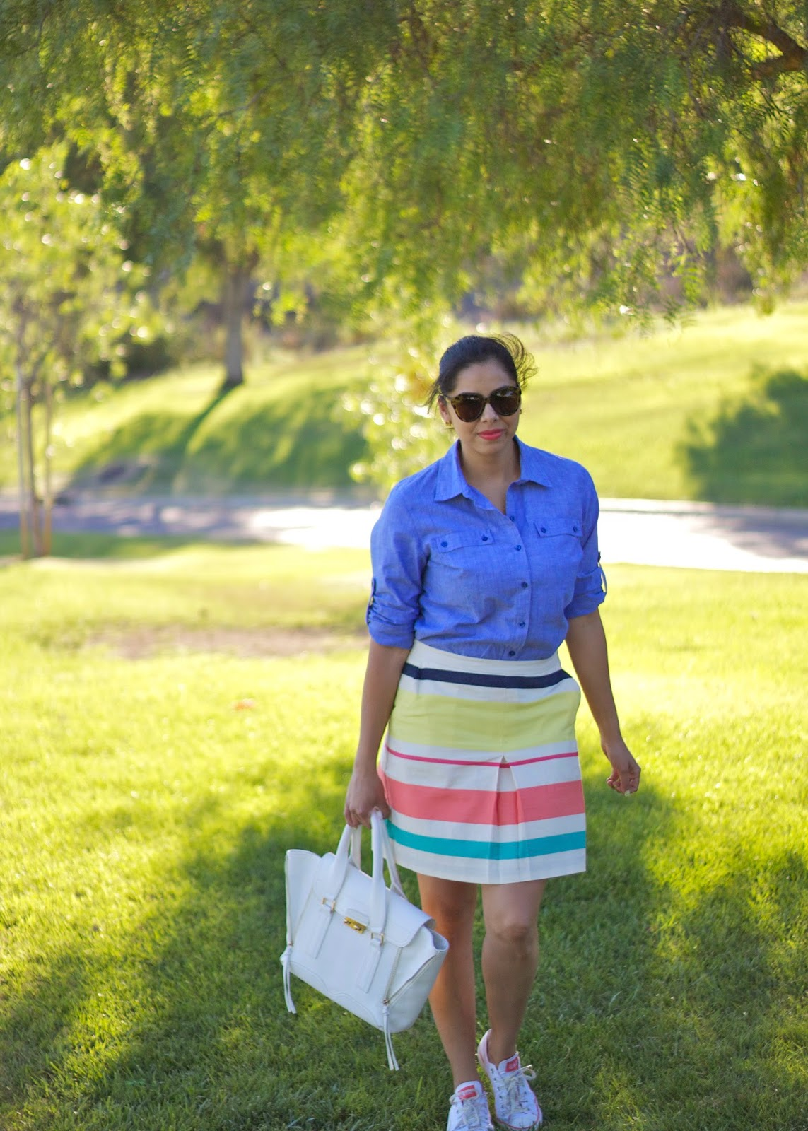 chambray top from Tommy Hilfiger, how to wear a chambray top, ways to wear a chambray top sporty, striped skirt from tommy hilfiger, how to wear converses