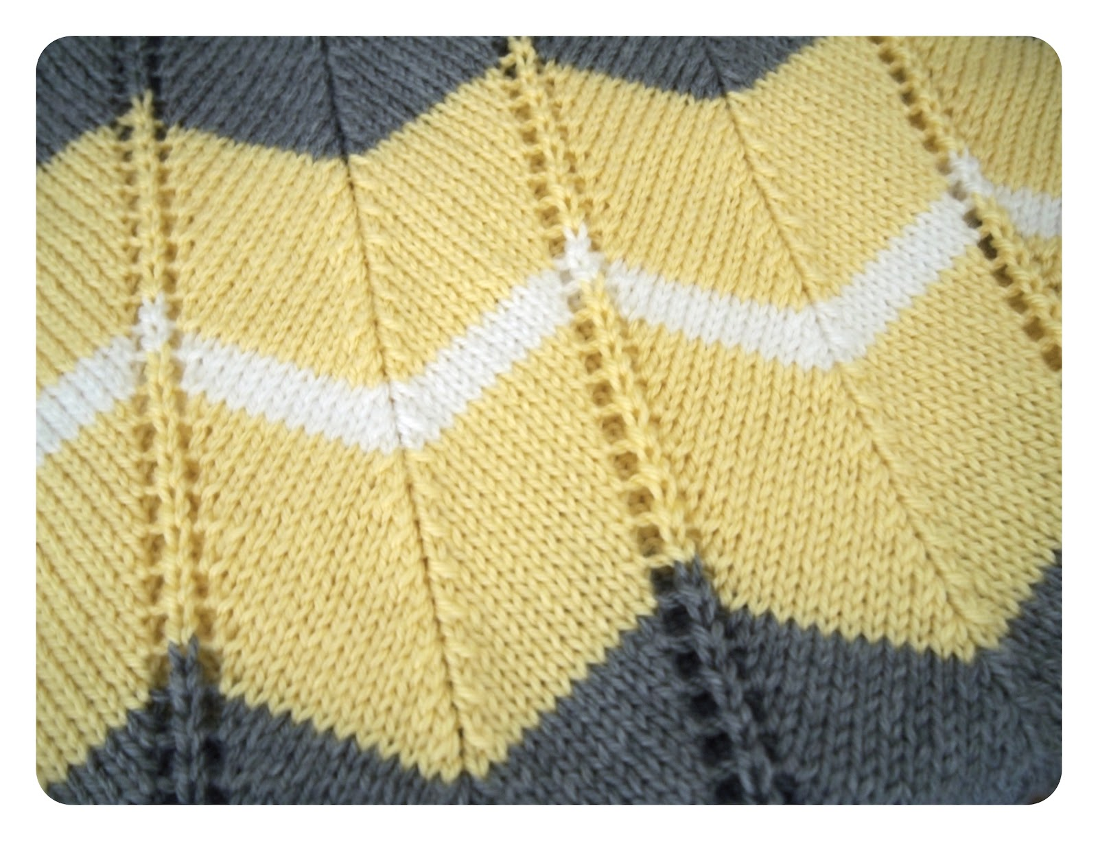 Free Knitted Blanket Patterns : She Is Crafting My Doom: Striped Chevron Baby Blanket - Free Knitting Pattern!