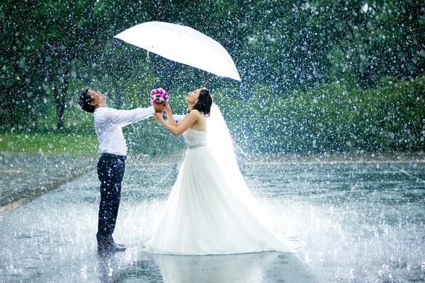Cô dâu, Chú rể lãng mãn dưới cơn mưa
