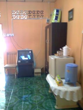 TV & ALMARI DI RUANG TAMU