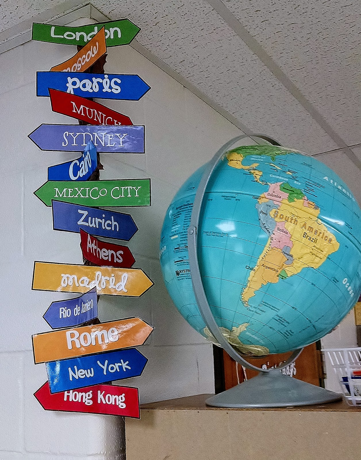 Geography Classroom Decor ~ The savvy schoolteacher travel themed classroom