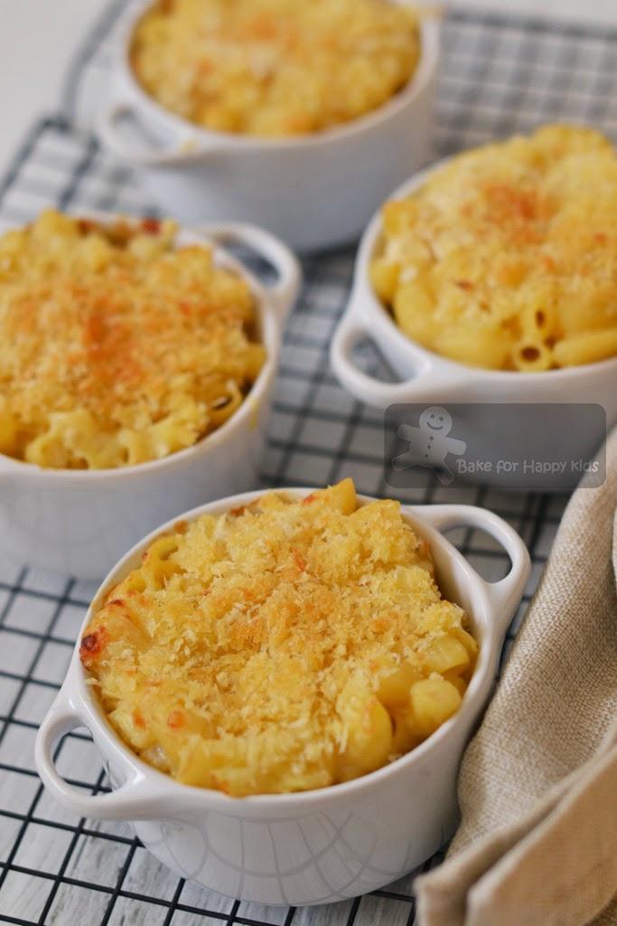 baked macaroni and cheese mac n cheese Alton Brown