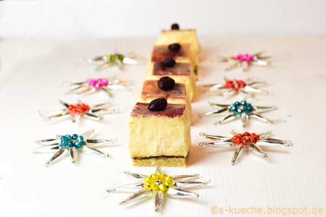 Cream Cheese Squares - Marzipan Cranberries Schoko Kaffee