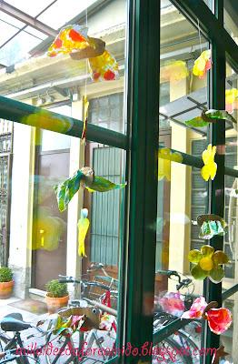 Mille idee al nido farfalline colorate - Addobbi finestre inverno scuola infanzia ...