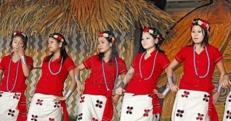 Indian Traditional Clothing : Traditional Costumes of Arunachal Pradesh for Men and Women