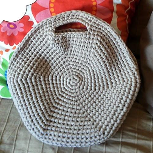 Patrones trapillo como hacer un bolso redondo - Como hacer un puff de trapillo ...