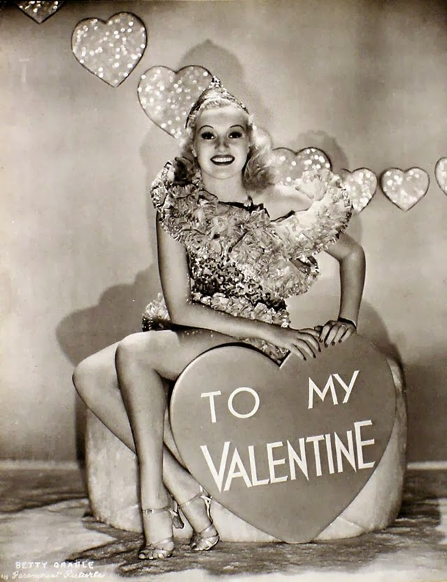 19 beautiful vintage photos of hollywood actress valentine. Black Bedroom Furniture Sets. Home Design Ideas