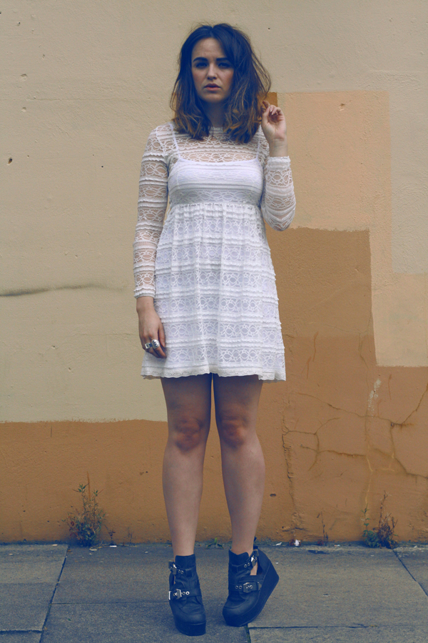 lace dress, never fully dressed, uk fashion, fashion blogger, top fashion blogger, jeffrey campbell boots, short hair, vintage, spainish dress, never fully dressed