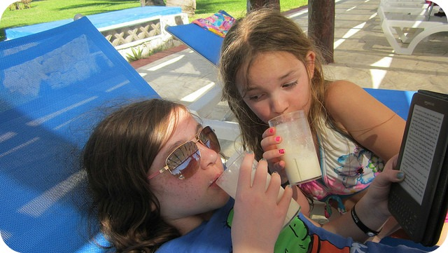 Kids drinking smoothies
