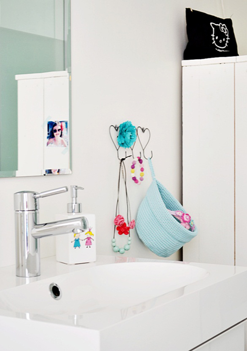 A Bright Aqua Dream Bathroom From Norway | KroPrinsessene