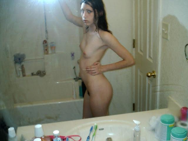 Novinhas emo safadas peladas em fotos amadoras
