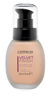 CATRICE Velvet Finish Foundation with Hyaluron - www.annitschkasblog.de