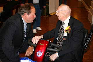 Supercentenarian Walter Breuning speaking with Montana Governor Schweitzer