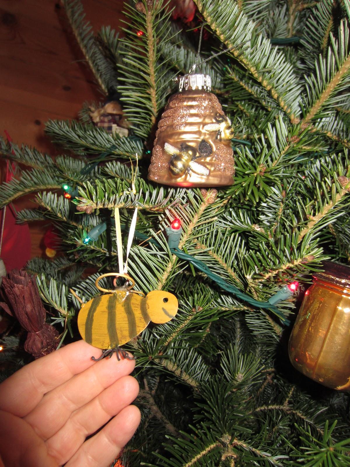 Wonderful Bees On Christmas Trees