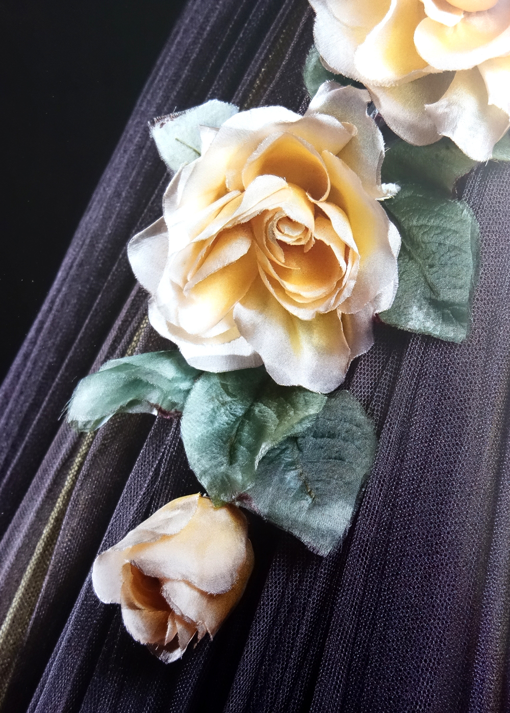 silk roses detail of Marcel Rochas tulle dress 1951 via www.fashionedbylove.co.uk