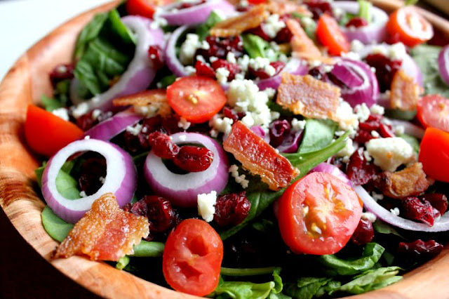 Fancy up your family pizza nights with an easy spinach salad! #GFreePizzaNight #ad