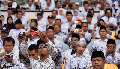 Huuu..huuu.. Pak Jokowi Enggak Datang