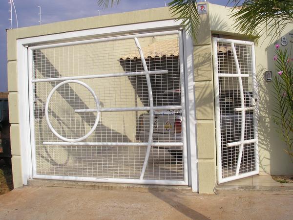 Portão de tela e tubo (metalon)