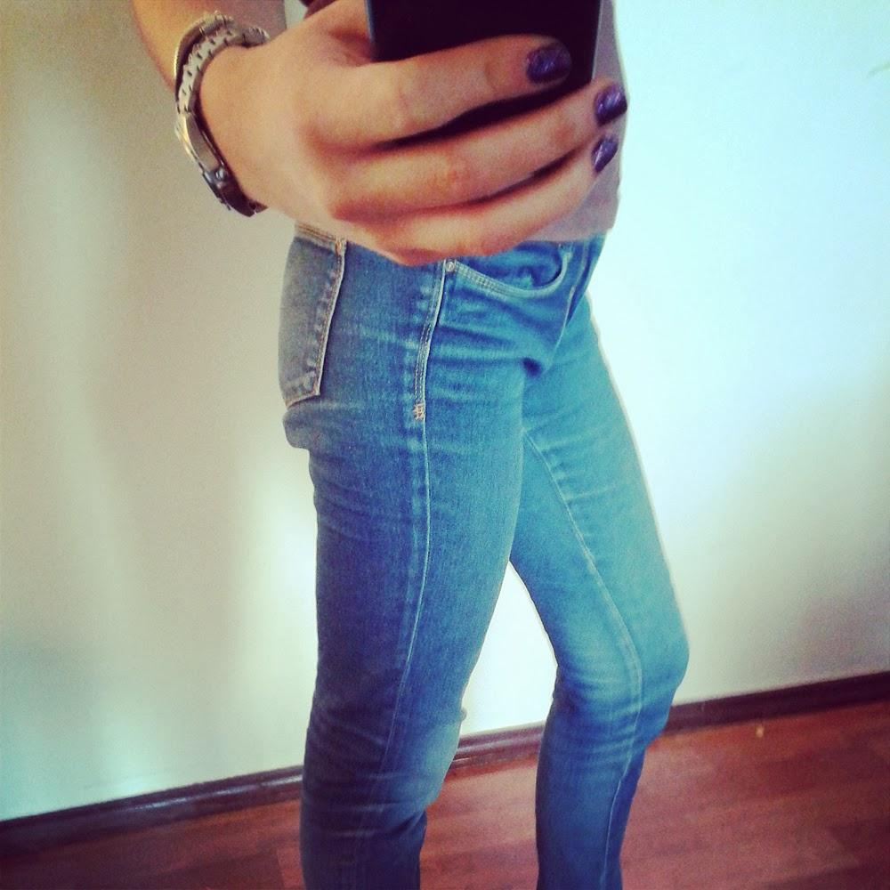 Ubraniowy niezbędnik, czyli 6 rzeczy bez których nie wyobrażam sobie swojej szafy jeansy blog moniusza