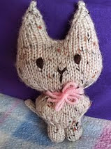 http://www.ravelry.com/patterns/library/twinkle-kitty