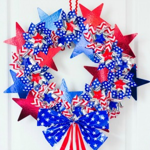 Make a Patriotic Pinwheel Wreath