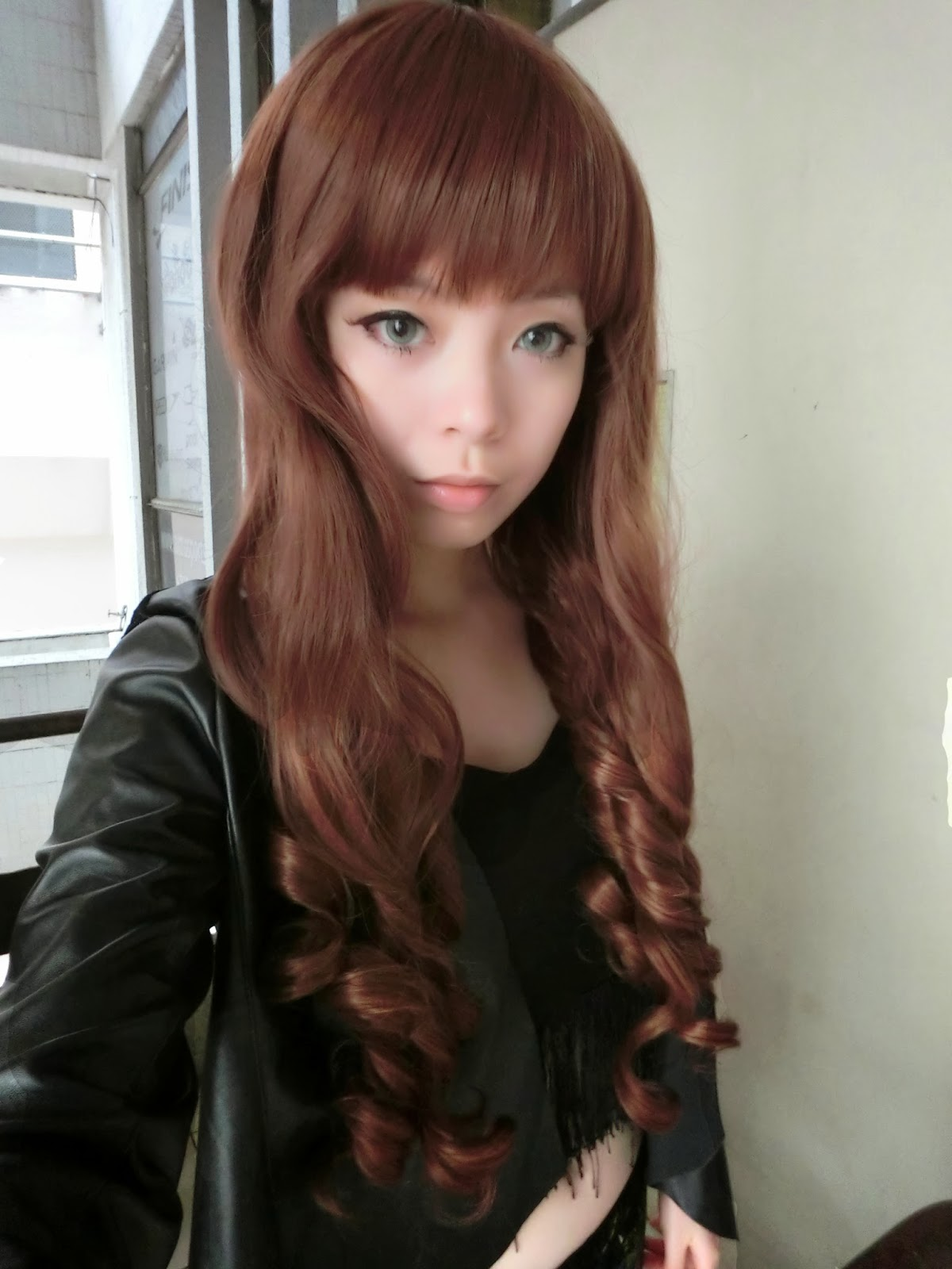 http://2.bp.blogspot.com/-soS4Zz8k348/UyGF0e9oSUI/AAAAAAAARog/wgdWT98-ONA/s1600/CIMG0010++girlhairdo+wig+shop+where+to+buy+wig+nice+curly+long+wig+singapore+hair+extensions.JPG