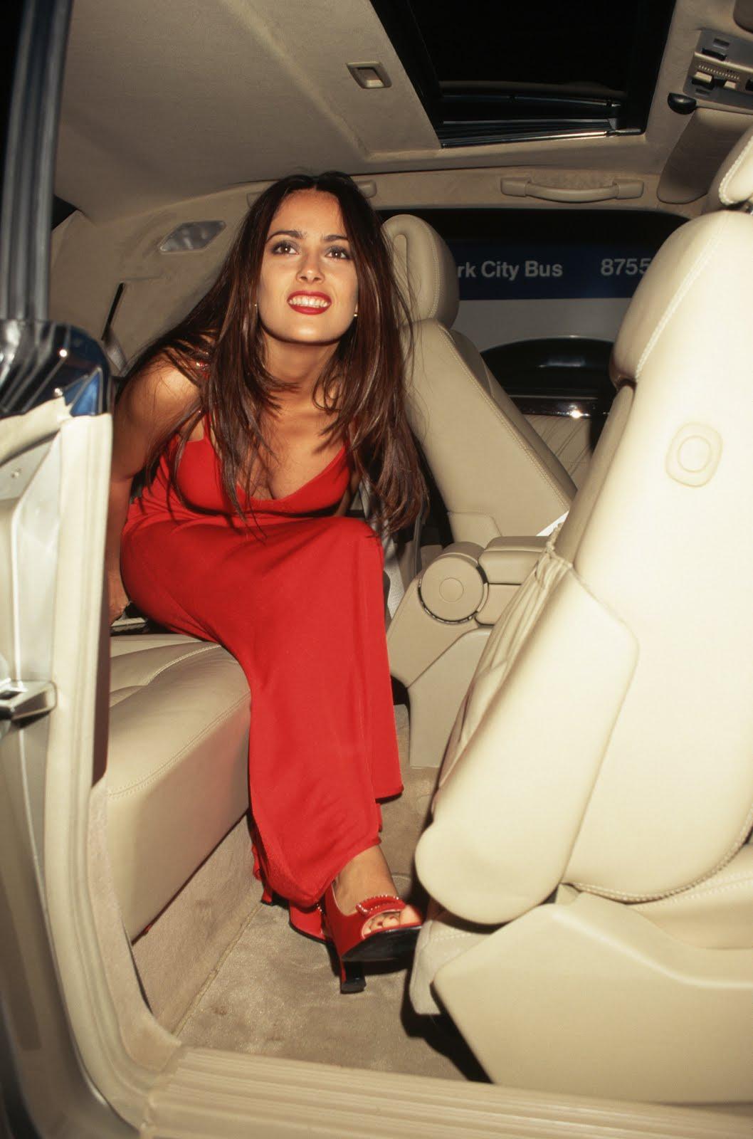 Salma Hayek   1996 10 16 Versace Fashion Show