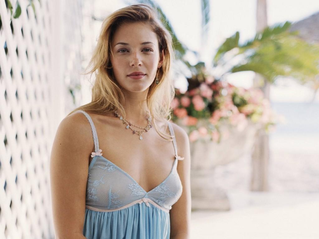 http://2.bp.blogspot.com/-sotn0G3u3gc/TiR9mFG38VI/AAAAAAAAZNQ/-mH_gmeW1xY/s1600/Amanda%2BRighetti19.jpg