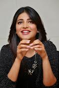 Shruti Haasan Glam pics-thumbnail-36