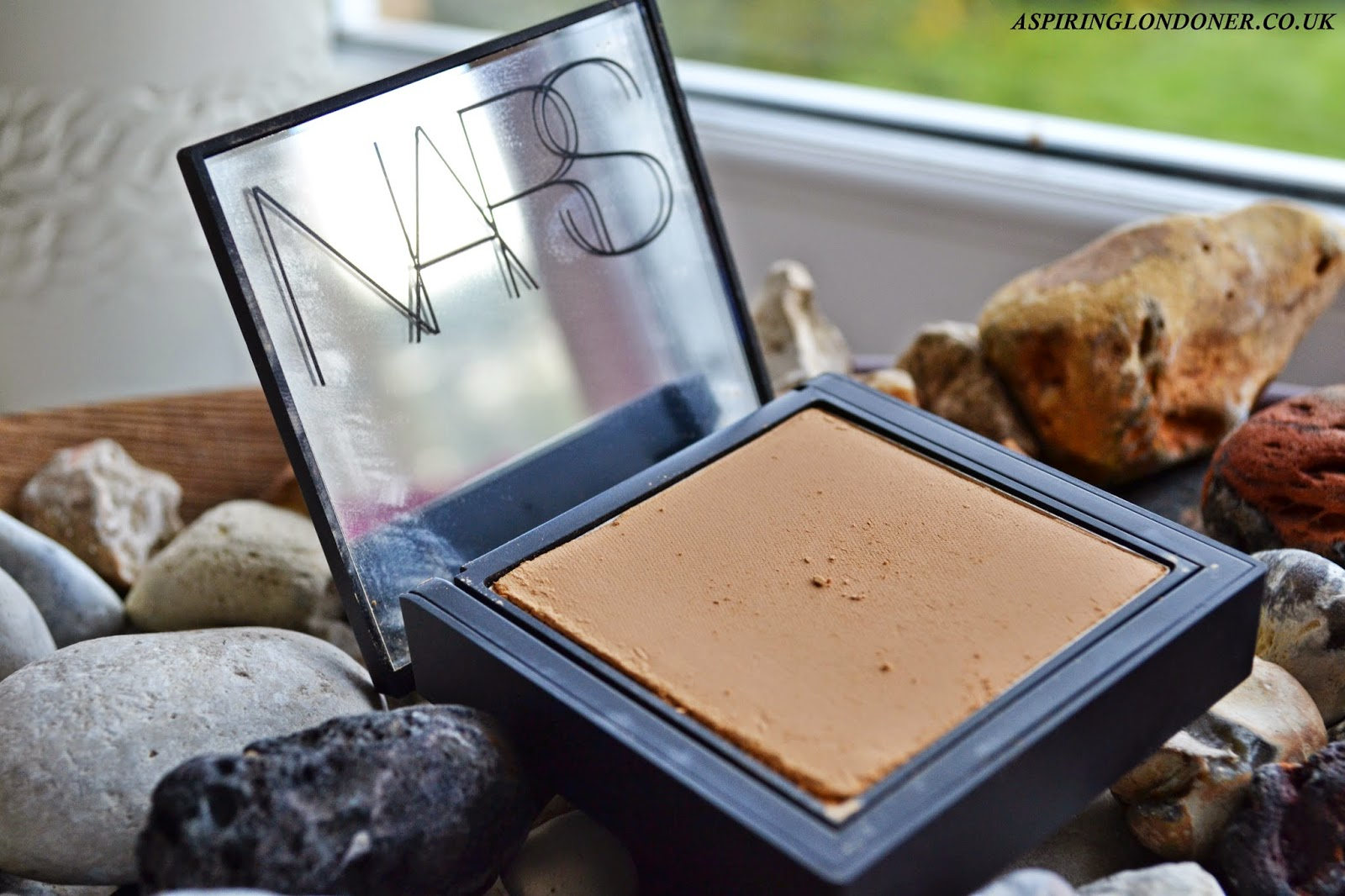 NARS All Day Luminous Powder Foundation Review - Aspiring Londoner