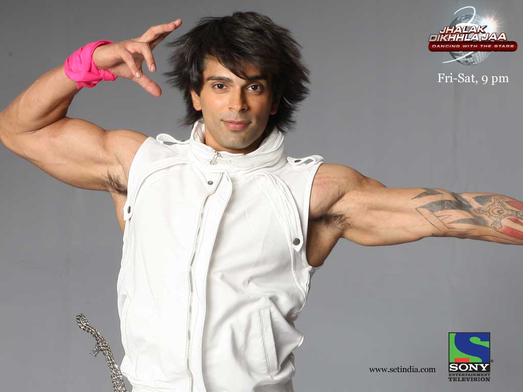 Karan Singh Grover New Photos