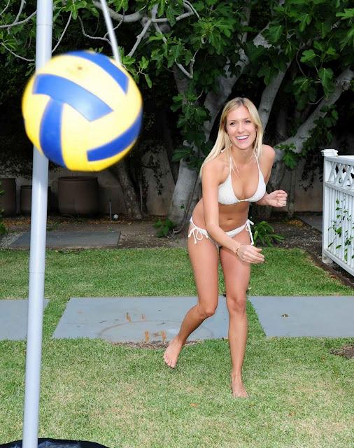 Kristin Cavallari – Bikini Candids in Hollywood