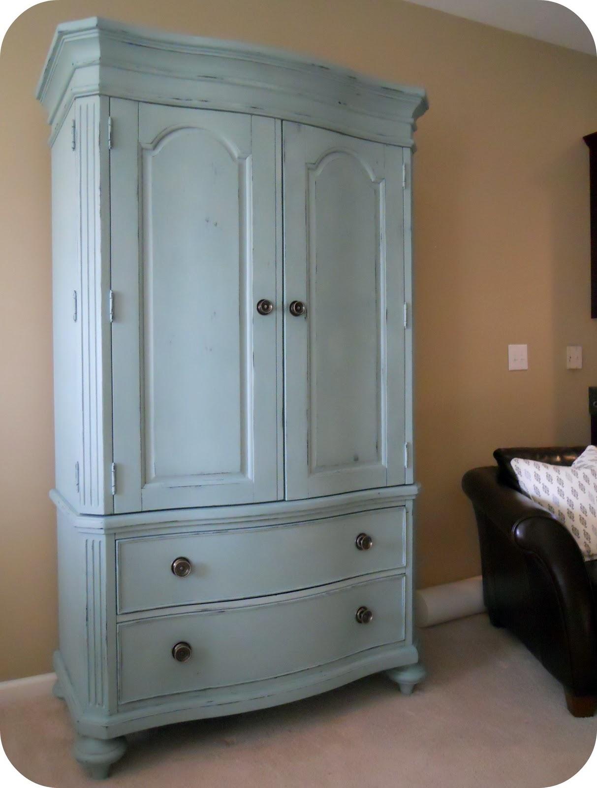 1060 Bliss: a little armoire re-do