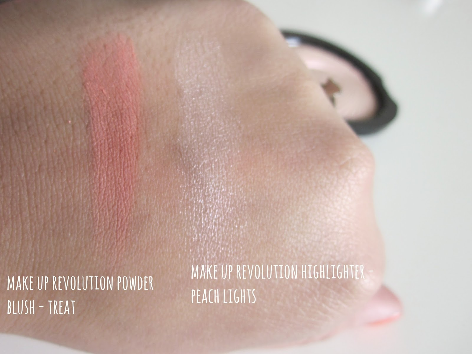 Make Up Revolution Photo Vivid Highlighter Peach Lights Blusher Treat Swatches