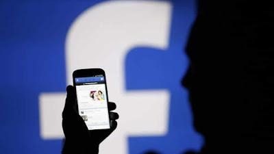 """عدلت """"فيسبوك"""" القواعد التي تفرضها على استخدام """"أسماء حقيقية"""" على شبكتها والتي شكلت محط احتجاجات شديدة لا سيما من قبل المتشبهين بالجنس الآخر والمثليين جنسيا وضحايا العنف المنزلي."""