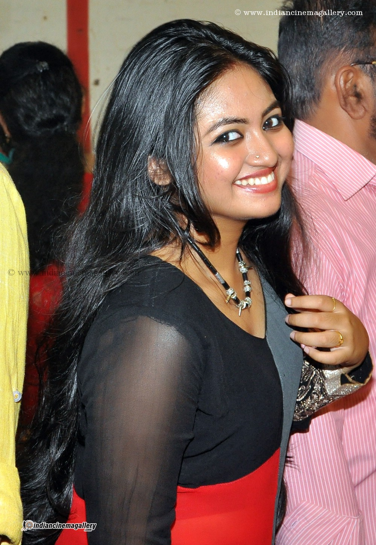 Shalin latest hot navel show at Saranya Sasi marriage Reception